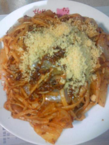 パスタ〜玉ねぎとトマトケチャップ【12日あるあるのスパゲッティお料理写真日記】