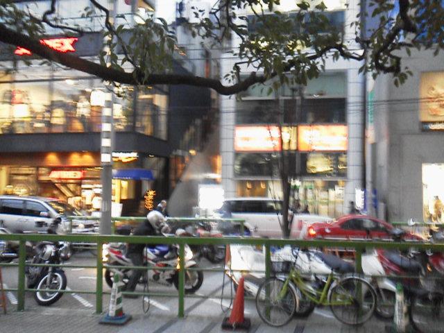 新宿南口タイムズスクエア東口【3月11日あるある東京・新宿ぶらり山ノ手線中央線京王線散策】
